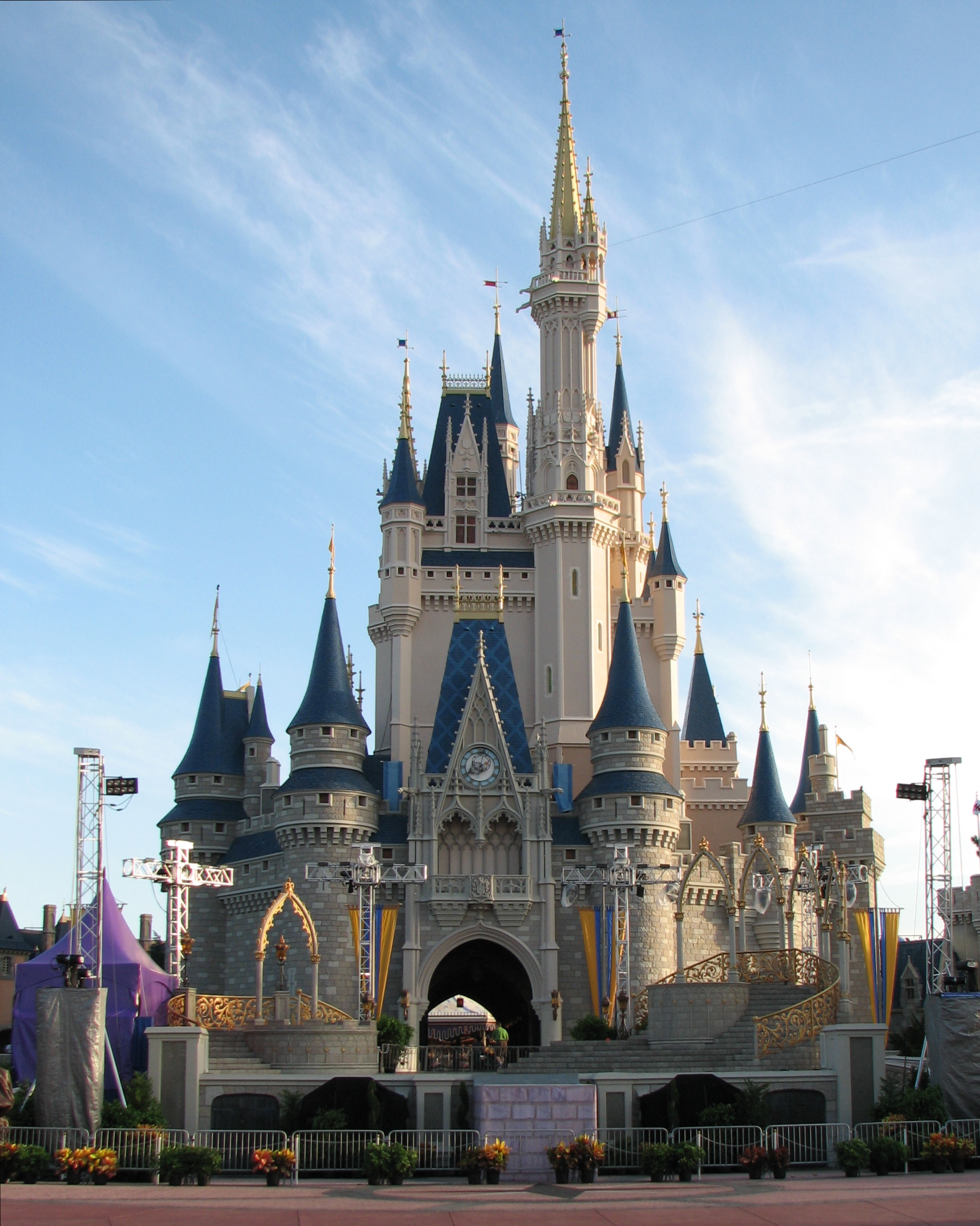 20 Great Ways to Save Money at Disney World
