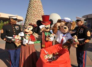 Military Discount Ticket Service Men with Mickey & Minnie Christmas
