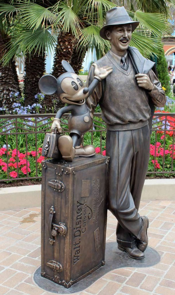 WDW Walt & Mickey on luggage