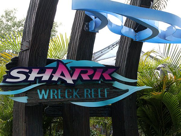 SeaWorld_Shark_Reck_Reef_Entrance_Poster_featured_image_WiT9pE.jpg