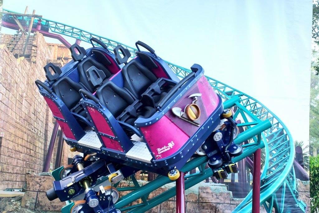 Busch Gardens Cobras Curse view of car image