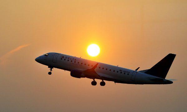 Airplane_at_Sunset_view_NIsDXO.jpeg.jpg