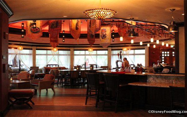 Nomad_Lounge_Tiffins_Restaurant_q1B74r.jpg