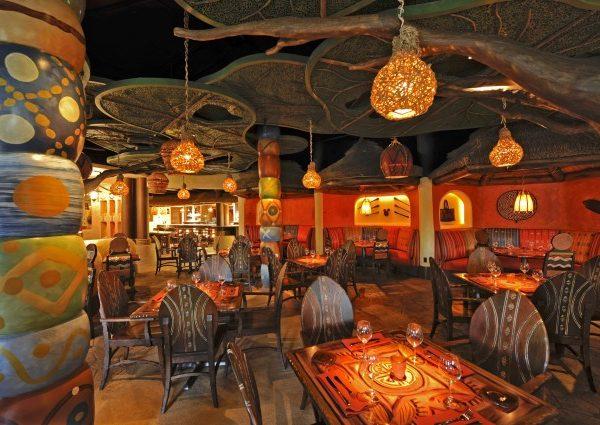Sanaa_Restaurant_interior_view_PbBpw1.jpg