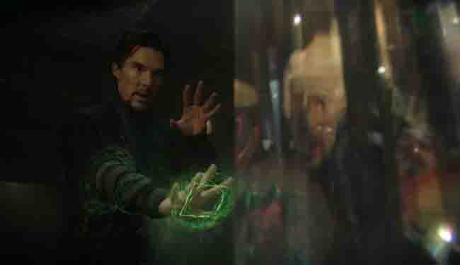 doctor-strange-green-power-in-hand