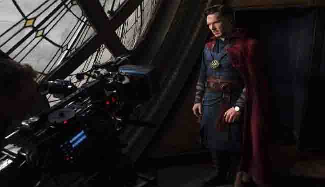 doctor-strange-in-front-of-nemesis