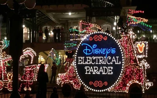 main-street-electrical-parade-float-closeup