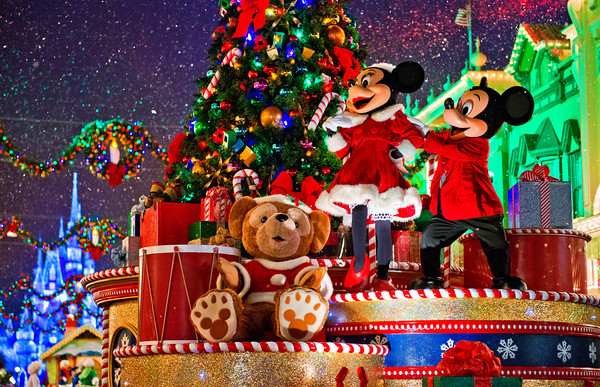 when do christmas decorations go up in walt disney world orlando tickets hotels packages - Disneyworld Christmas