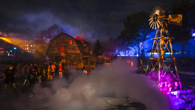 Trick R Treat Scare Zone In Halloween Horror Nights 2017