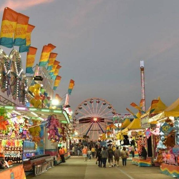 Places To Visit In Florida In April: Thrilling Rides & Carnival Food At The 2018 Florida State