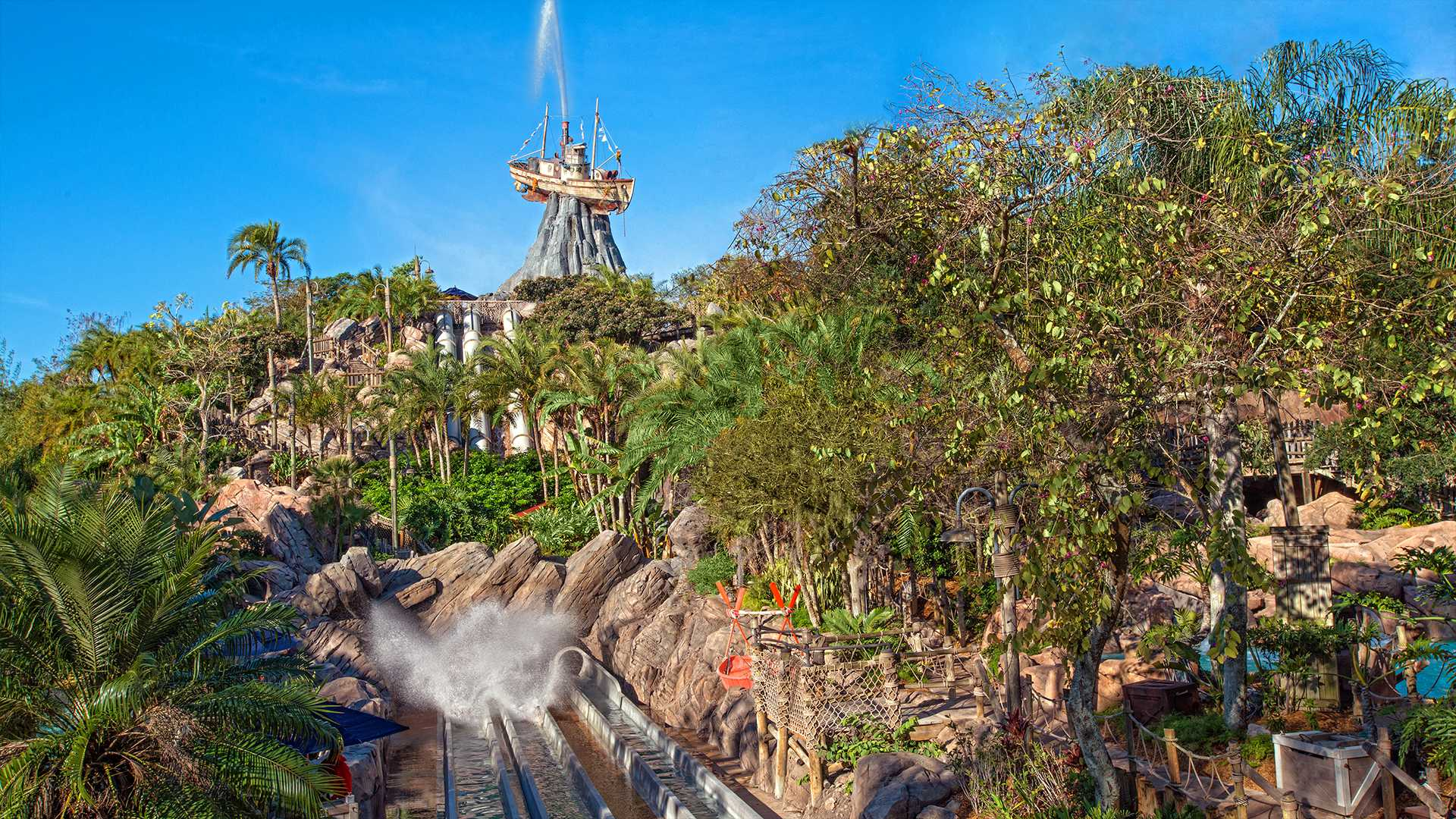 We're excited to announce several new combo tickets for the major southern California theme parks including Disneyland Resort, Universal Studios, Knott's Berry Farm and more!