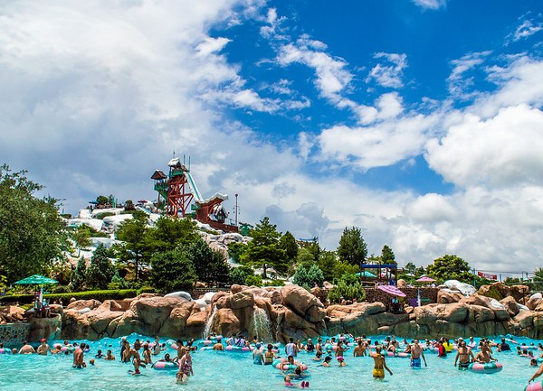 blizzard-beach-wave-pool-dw
